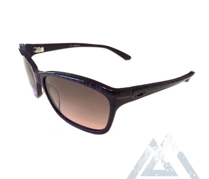 Oakely Confront Sunglasses Blackberry Magic
