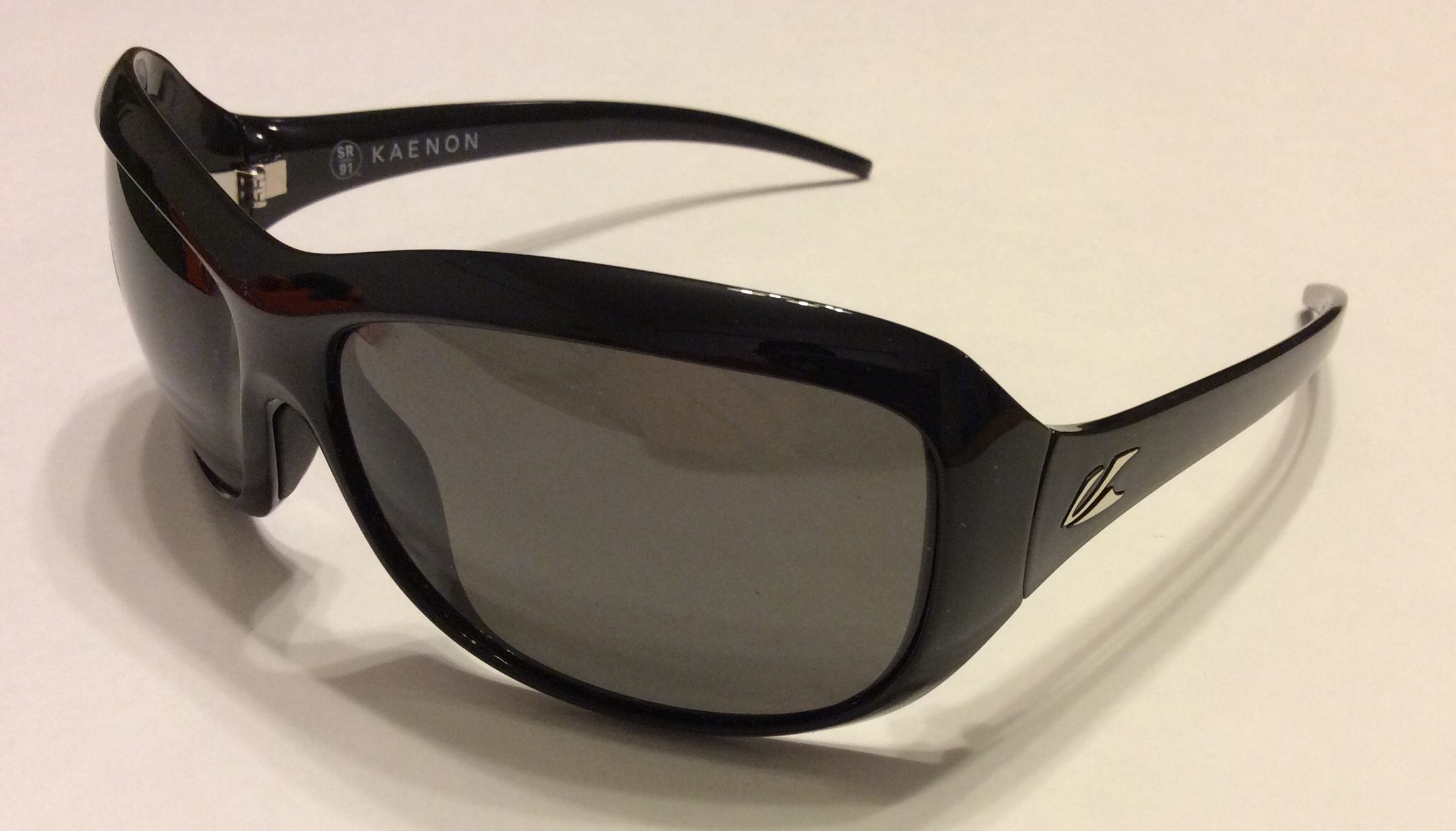 Kaenon Madison Sunglasses - Black - G12 Grey POLARIZED 214-01-G12