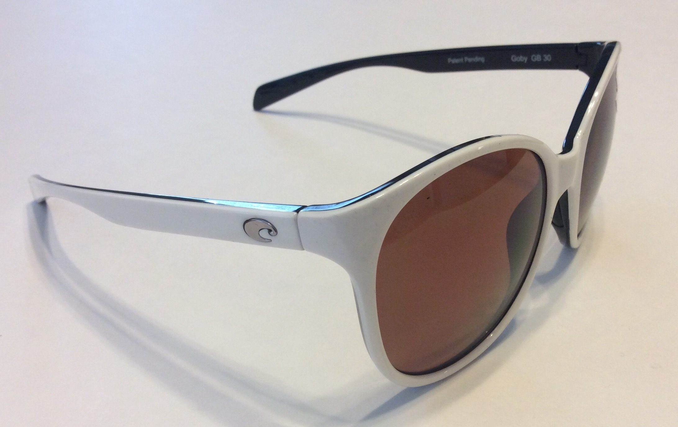 sunglasses polarised wsjk  explain how a pair of polarized sunglasses reduce glare