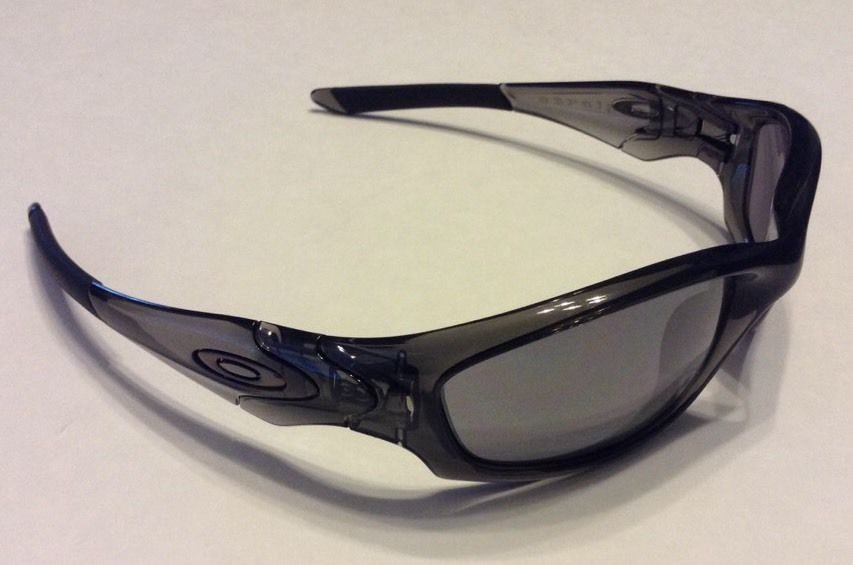 oakley straight jacket grey smoke black iridium